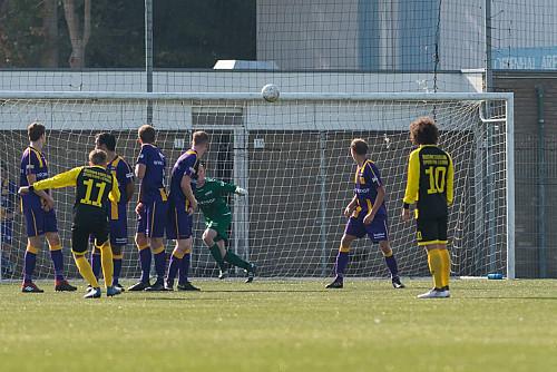 Vermakelijke pot voetbal eindigt in 3 – 3